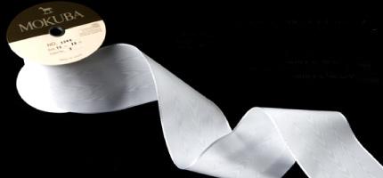 リングピロー完成品「ブランシュ・ネージュ」知的で美しい……。物語がはじまるリボンです。
