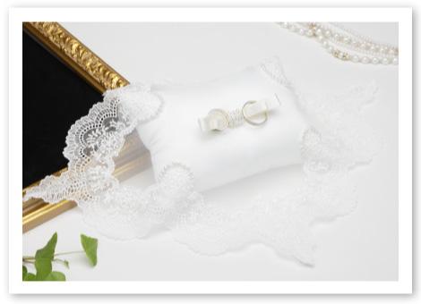 リングピロー手作りキット「シャイニーパール」純白のリングピローにオリジナルレースとパールの輝き