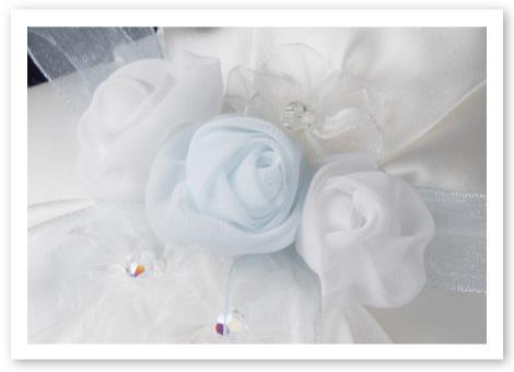 リングピロー完成品「フルール」しなやかな巻バラと小花でお花畑のように可愛らしく
