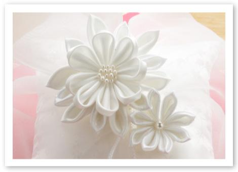 和風リングピロー完成品「ほの香」そっと寄り添う花はまるでお二人のように