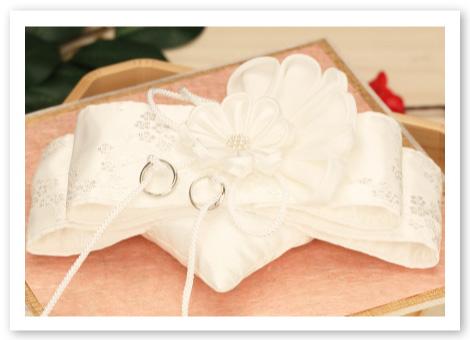 和風リングピロー完成品「結」白無垢姿の花嫁のような繊細で美しいリングピロー