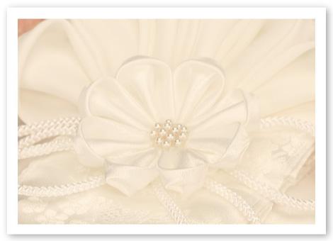 和風リングピロー完成品「結」嫁ぐ日の覚悟を思わせる凛々しい花の姿