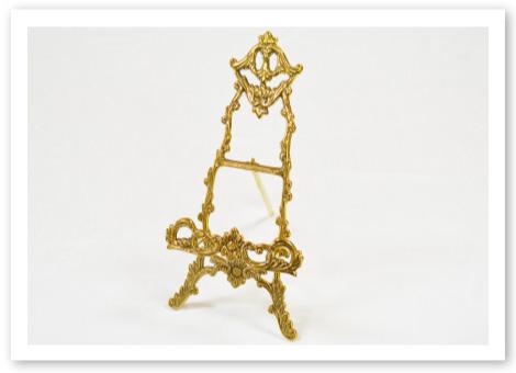 洋風リングピロー用メモリアルスタンド / ゴールド調の真鍮で高級感のあるスタンド
